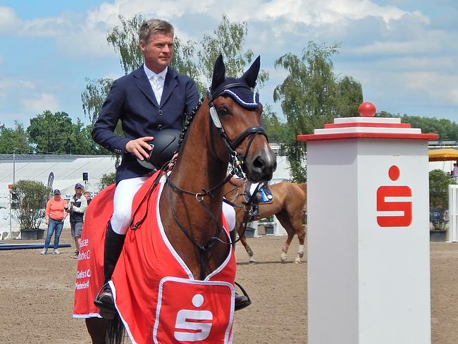 Rüdiger Renner gewinnt im Stechen Preis der Sparkasse Pforzheim Calw