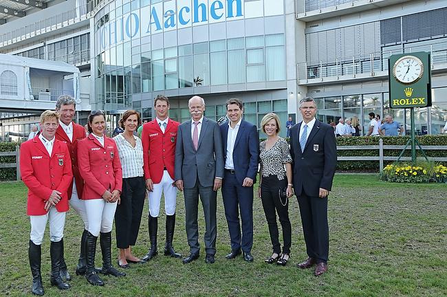 CHIO Aachen 2014: Mercedes-Benz spendet für den guten Zweck