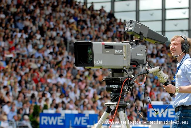 ZDF überträgt Deutsches Spring-Derby live aus Hamburg