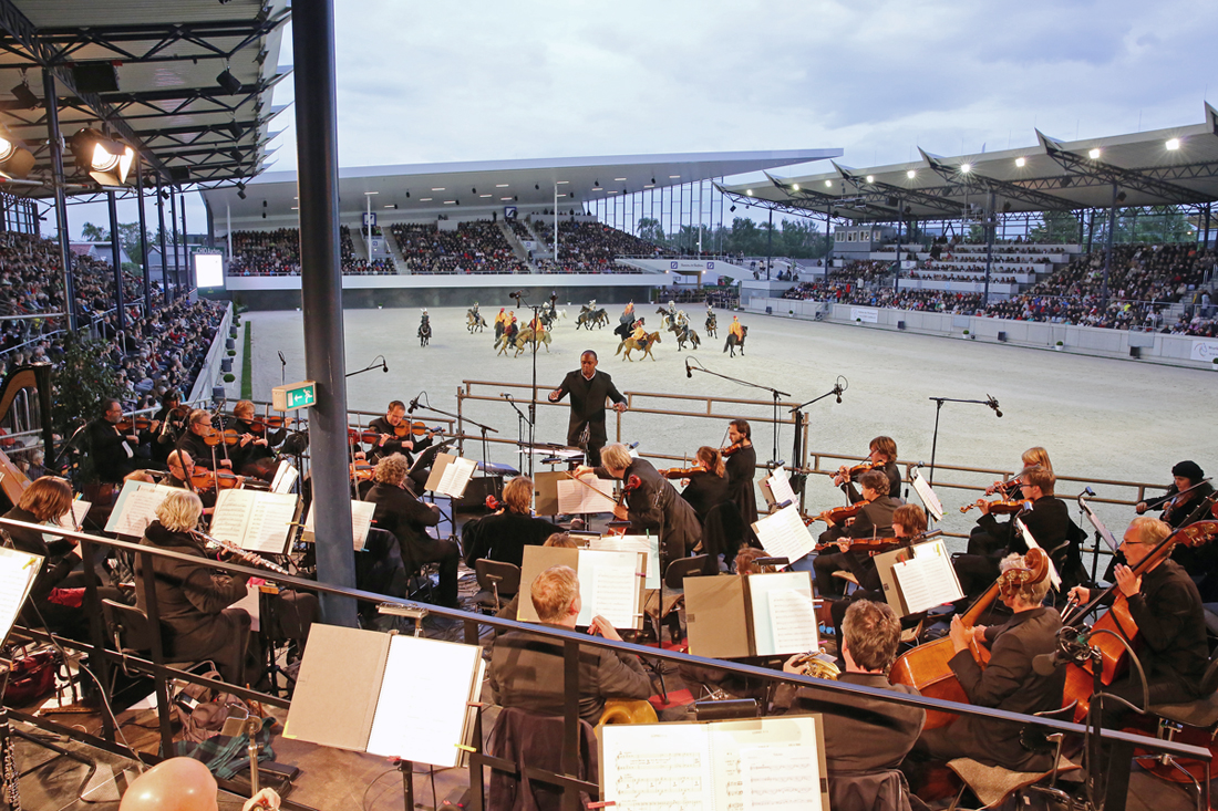 Weltfest des Pferdesports Aachen 2015: Pferd und Sinfonie