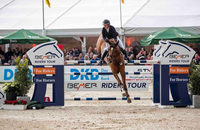 Dreamteam – Katrin und Caleya gewinnen Auftakt der BEMER Riders Tour