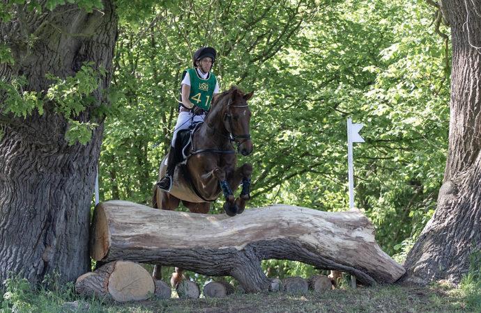 CCI2*-S: Geländesport satt, Jeanette von Schiller gewinnt