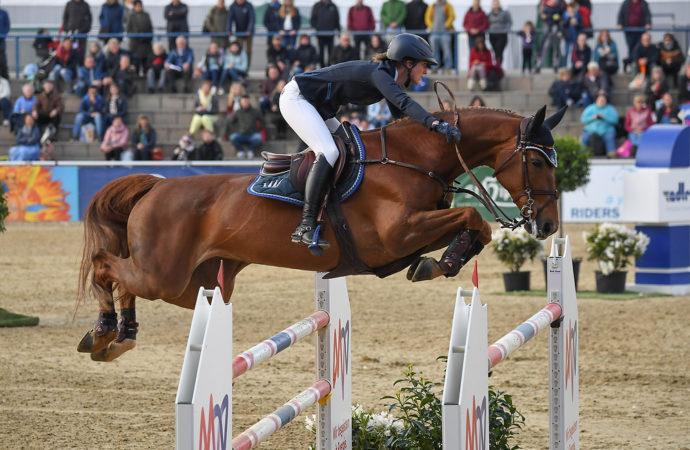 Simone Blum schnappt sich das Championat von Mannheim